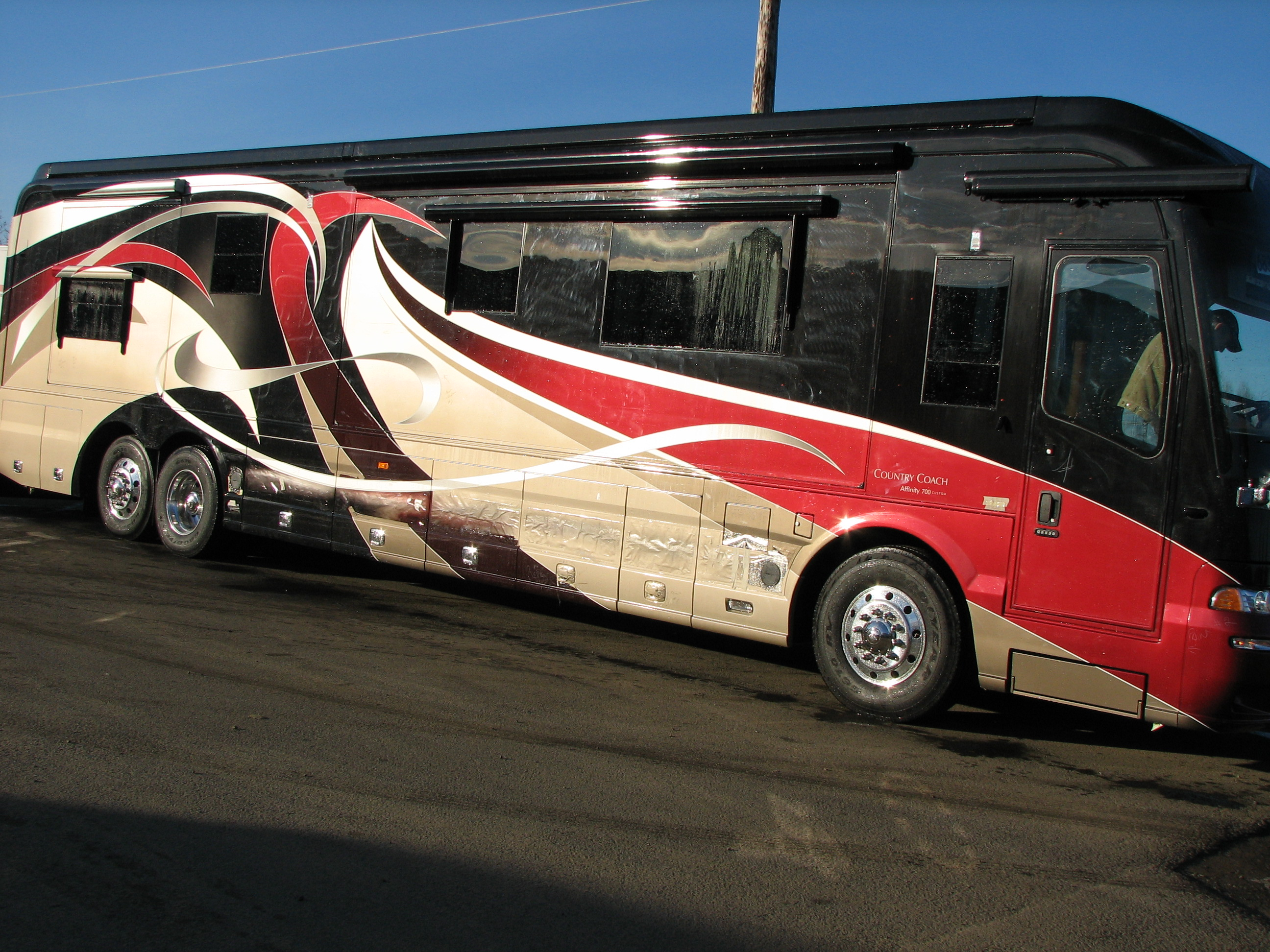 2007 Red And Black Country Coach Rvs Cutting Edge